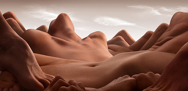 001-bodyscapes-carl-warner